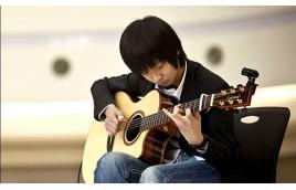 Nên mua đàn guitar acoustic thương hiệu nào dành cho người mới học