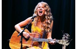 9 mẹo cần biết để vừa chơi guitar vừa hát tốt hơn
