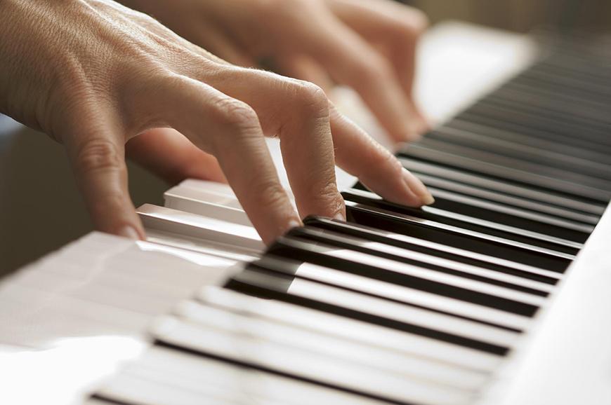 Đàn Piano điện Roland nào phù hợp cho trẻ em và người mới học