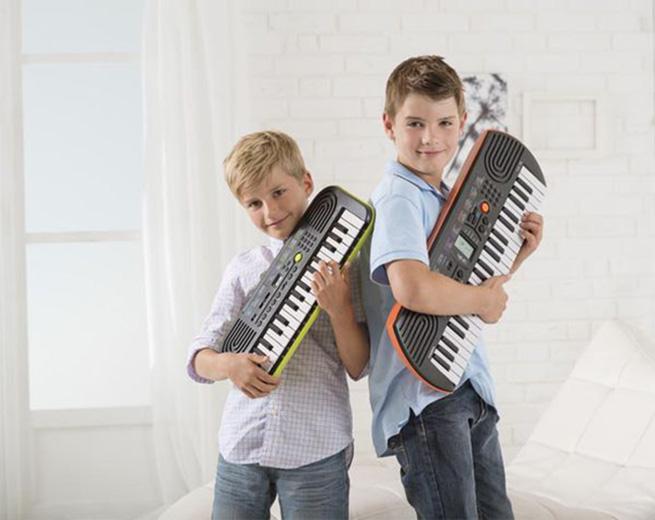 Đàn Organ Casio SA-76 có nút lựa chọn âm thanh rất đơn giản