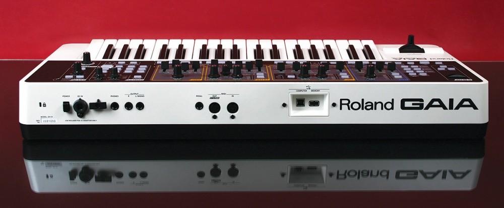Kết nối trực tiếp SH-01 với máy tính (Mac hoặc PC) đơn giản với một cáp USB