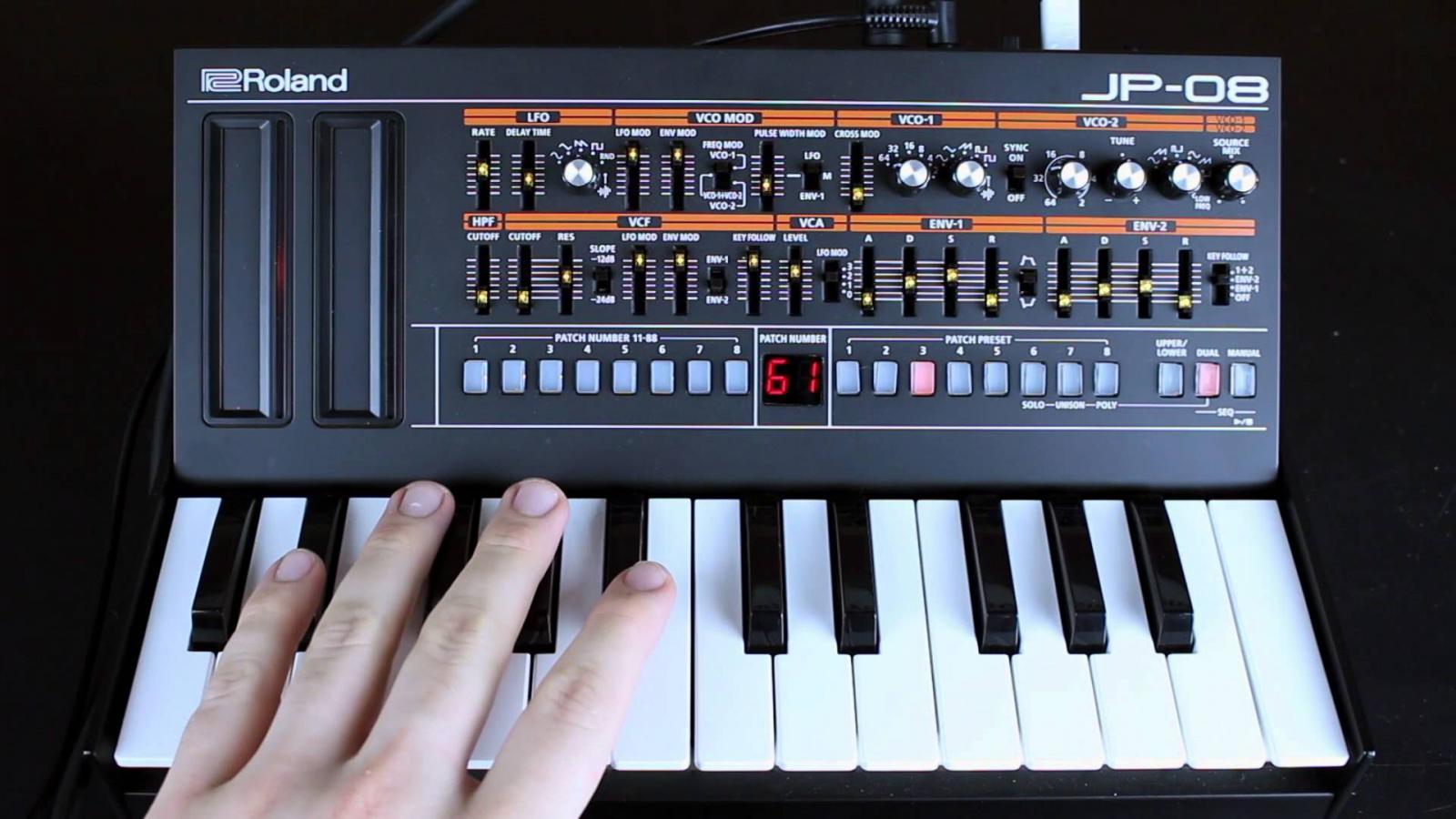 JP-08 hoạt động hiệu quả với bàn phím K-25m