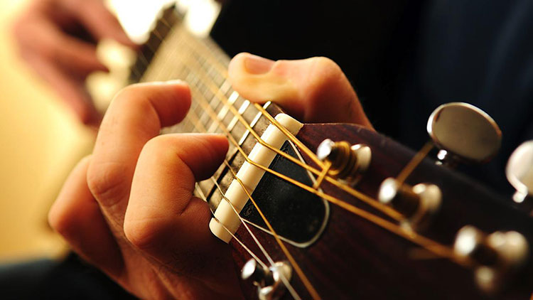 10 Điều cần biết khi mới học chơi guitar