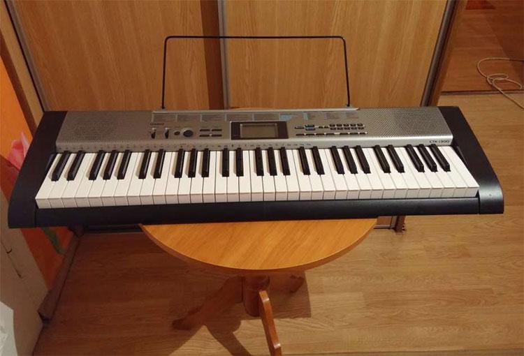 Đàn Organ CTK-1300 có âm sắc đa dạng