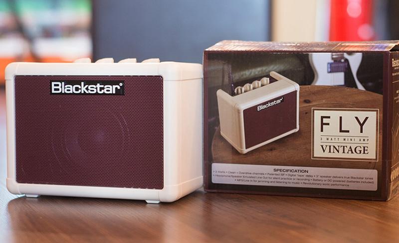 BlackStar Fly Vintage 3 Mini Guitar Amp có thiết kế nhỏ gọn