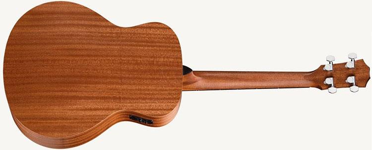 Mặt sau và hai bên hông được làm từ các lớp gỗ Sapele