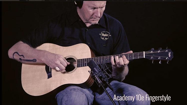 Đàn Guitar Taylor Academy 10E là chiếc đàn có EQ