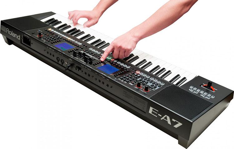Đàn Arranger Keyboard Roland E-A7 có thư viện âm thanh khổng lồ