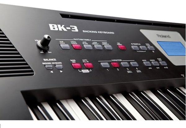 Đàn Organ Roland BK-3 có thể chơi nhiều định dạng từ bộ nhớ USB