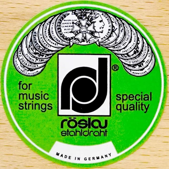 piano kc121md sử dụng dây đàn Roslau danh tiếng của Đức